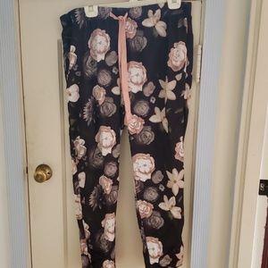 Gilligan & O'Malley floral pajama bottoms